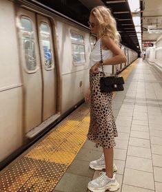 Animal print skirt with Balenciaga sneakers. Animal print skirt with Balenciaga sneakers. , Animal print skirt with Balenciaga sneakers. Fashion Blogger Style, Look Fashion, Fashion Trends, Fashion Bloggers, New York Fashion, Fashion Ideas, City Fashion, Europe Fashion, Travel Fashion