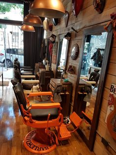 Barber Shop Interior, Barber Shop Decor, Studio Interior, Barber Shop Names, Barber Shop Pictures, Barber Business Cards, Barber Accessories, Barber Shave, Barber Logo