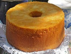 A Very Tall, Buttery Pound Cake ~ Mother Taught Me How. This is the bomb of authentic pound cakes. A Very Tall, Buttery Pound Cake ~ Mother Taught Me How. This is the bomb of authentic pound cakes. Butter Pound Cake, Sour Cream Pound Cake, Buttermilk Pound Cake, Almond Pound Cakes, Cupcakes, Cake Cookies, Cupcake Cakes, Just Desserts, Delicious Desserts