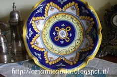 Ceramic plate for sweets and fruits, hand painted #Majolica #Italy http://ceramicamia.blogspot.it/2013/05/alzatina-di-ceramica.html