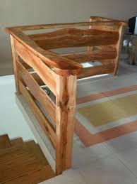 Resultado de imagem para guarda corpo em madeira