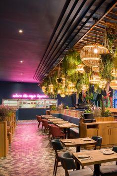 Bar Restaurant Design, Restaurant Lighting, Open Kitchen Restaurant, Pink Restaurant, Kitchen Pass, Restaurant Chairs, Resturant Interior, Cafe Interior, Bistro Design