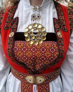 Hardanger Folk Costume, Costumes, Norwegian Clothing, Folk Fashion, Womens Fashion, Scandinavian Embroidery, Festival Wear, Historical Clothing, Hardanger