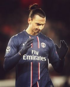 Zlatan Ibrahimovic. One of my fav Futbol players.