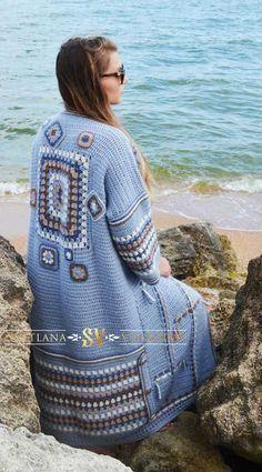 Fabulous Crochet a Little Black Crochet Dress Ideas. Georgeous Crochet a Little Black Crochet Dress Ideas. Black Crochet Dress, Crochet Coat, Crochet Jacket, Crochet Cardigan, Crochet Clothes, Long Cardigan, Pull Crochet, Crochet Granny, Cardigan Pattern