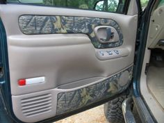 This unique chevy truck interior is a very inspiring and remarkable idea Lifted Chevy Trucks, Jeep Truck, Pickup Trucks, Chevrolet Tahoe, Chevrolet Silverado, Camo Truck Accessories, Truck Interior, Interior Paint, Interior Design