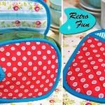 continues their Retro Fun series with a tutorial showing how to make these retro-inspired quilted oven mitts. Go to the tutorial. [photo from [tags]sewing, tutorial, retro, oven… Sewing Hacks, Sewing Tutorials, Sewing Crafts, Fabric Crafts, Sewing Patterns, Diy Crafts, Hot Pads, Retro Oven, Quilting Projects