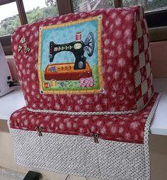 Capa para Maquina de costura Sewing Spaces, Sewing Rooms, Sewing Crafts, Sewing Projects, Sewing Machine Quilting, Fabric Storage Boxes, Vintage Sewing Machines, Sewing Box, Sewing Accessories