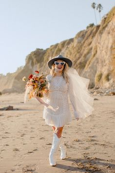 Cowgirl-chic bridal wear made this elopement at the Santa Barbara courthouse SO fun. From bridal boots to her hat and a short wedding dress! Bridal Looks, Bridal Style, All White Sneakers, Santa Barbara Courthouse, Bridal Portrait Poses, Bridal Hat, Most Beautiful Images, Cowgirl Chic, Bridal Pictures