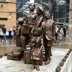 kindertransport essay Wwwtescouk/kindertransport teaching resources, worksheets & activities on the roles of lil, evelyn and faith in kindertransport by diane samuels.