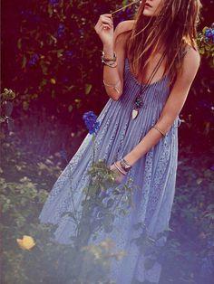 Cool blue dress #moshuluspringpicnic   @Helen Palmer Foster Shoes
