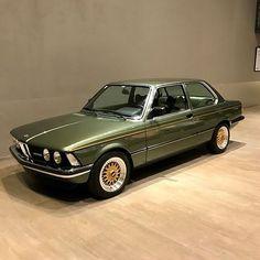 Nice looking 323i #BMW #BMWClassic #BMWe21 #BMW323i Repos
