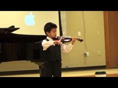 Bach Partita No.2 in D minor (S.1004) Giga—See more of this young violinist #from_AidanF