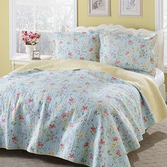 - Laura Ashley Crofton Reversible Cotton Quilt Set - Bring a romantic look to any bedroom with the Laura Ashley reversible cotton quilt set. Constructed of cotton, the quilt showcases a floral design in a blue, yellow, red, Carlisle, Queen Size Quilt Sets, Queen Quilt, Laura Ashley Home, Luxury Bedding Sets, Bed Styling, Home Decor Bedroom, Bedroom Ideas, Bedroom Inspiration