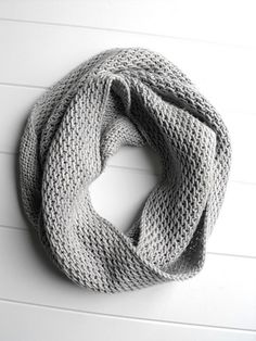 fussycut-angela\'s another honey cowl