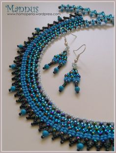 Bluish collar net ('tászli' in Hungarian) with earring