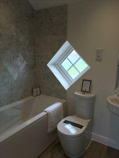 Love this unique diamond shaped window found in a Redrow home ♦️ Bathroom Modern, Bathroom Ideas, Redrow Homes, 1950s House, Interior Design, Interior Ideas, Corner Bathtub, Diamond Shapes, Modern Decor