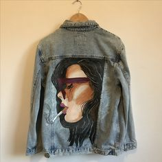 Your place to buy and sell all things handmade : Hand painted vintage jacket jasje spijkerjasje jeans denim Painted Denim Jacket, Painted Jeans, Painted Clothes, Hand Painted, Diy Jeans, Jeans Denim, Jacket Jeans, Custom Clothes, Diy Clothes