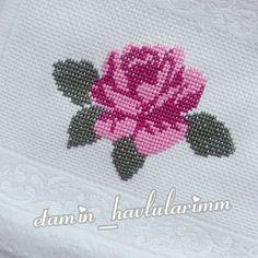 Fotoğraf açıklaması yok. Cross Stitch Cushion, Cross Stitch Art, Cross Stitch Flowers, Cross Stitch Embroidery, Cross Stitch Patterns, Bargello, Embroidery Designs, Diy And Crafts, Nails