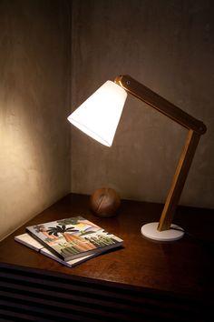 Luminária de Mesa Lina