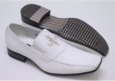 Italian White | SilkRoadEXPO  This Italian design dress shoe with leather lining is supplied by one of our wholesaler members.  Shops sign up (free) to see the details.  #mensfashion #leathershoes #leather #stylish #shoe #shoelover #shoelovers