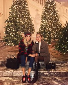 6 Things You Need To Know About Holiday Season Etiquette Valentina Ferragni, Instagram Life, Quality Time, Etiquette, Along The Way, Holiday Parties, This Is Us, Hipster, Vogue
