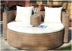 love-seat-achica