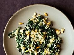 One-Pot Kale and Quinoa Pilaf - February 11 2019 at - Amazing Ideas - and Inspiration - Yummy Recipes - Paradise - - Vegan Vegetarian And Delicious Nutritious Meals - Weighloss Motivation - Healthy Lifestyle Choices Great Recipes, Dinner Recipes, Favorite Recipes, Dinner Ideas, Yummy Recipes, Vegetarian Recipes, Cooking Recipes, Healthy Recipes, Kale Recipes