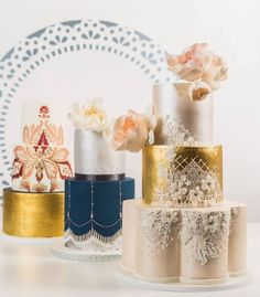 21 Simply Sweet Wedding Cakes - MODwedding