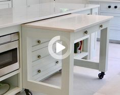 Different Design Approaches to On-Demand Kitchen Counter Space Modern New Kitchens, Kitchen Decor, Kitchen Design, Kitchen Ideas, Reception Counter, Counter Space, Vanity, Conception, Cabinet