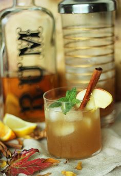 Cinnamon Spice Ice Tea Cocktail / Thanksgiving / The Sweet escape