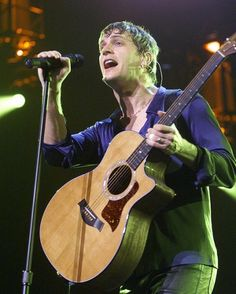 Rob Thomas' Journey: From Matchbox Twenty Frontman to Chart-Topping Solo Artist Pictures - Rob Thomas: 2001: Rob with Acoustic Guitar | Rolling Stone