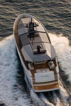 Arcadia Yachts SOLAR