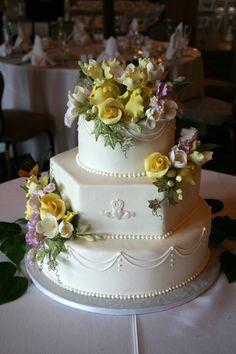 Indian Weddings Inspirations. White Wedding Cake. Repinned by #indianweddingsmag indianweddingsmag.com #classic