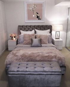 Do you have a small bedroom? Maximize every inch of space in your small bedroom. Do you have a small bedroom? Maximize every inch of space in your small bedroom. Warm Bedroom, Small Room Bedroom, Trendy Bedroom, Small Rooms, Bedroom Colors, Home Decor Bedroom, Modern Bedroom, Bedroom Ideas, Bedroom Furniture