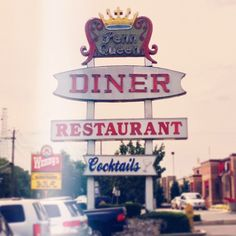 one of the best parts of a good road trip? DINERS! (just don't order the fish!)