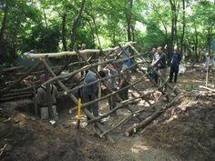 Árpádkori veremház építés közben