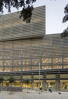 Architect bcq arquitectes name of project social for Oficinas seguridad social barcelona horarios