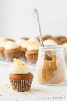 These mini apple cupcakes are flavoured with apple butter and topped with thick and pipeable cream cheese frosting so they make a great fall recipe! Apple Recipes, Baking Recipes, Sweet Recipes, Fall Recipes, Apple Cupcakes, Yummy Cupcakes, Sweet Cupcakes, Cupcake Recipes, Cupcake Cakes
