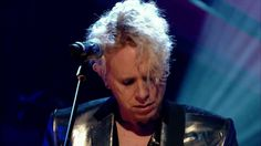 Depeche Mode - Walking In My Shoes (Live at Jools Holland 2009) [HD]