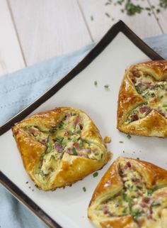Ham and cheese puff pastry tart - dough tart .- Ham and cheese puff pastry tart – dough tart # ham – - Yummy Recipes, Easy Smoothie Recipes, Snack Recipes, Healthy Smoothie, Cheese Puffs, Ham And Cheese, Cheese Pastry, Choux Pastry, Puff Pastry Recipes