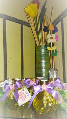 aromatizador de ambientes de varetas com uma combinação de aromas deliciosos de acerola e pitanga em um charmosíssimo vidro - acompanha 8 varetas