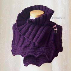 AMETHYST Knitting capelet pattern pdf por BernioliesDesigns en Etsy