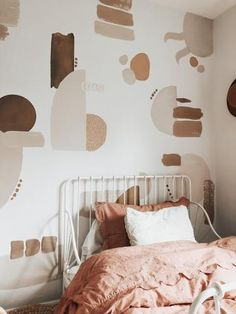 Small Apartment Living, Small Apartments, Serene Bedroom, Accent Wall Bedroom, Big Girl Rooms, Of Wallpaper, Office Wallpaper, My New Room, Girls Bedroom