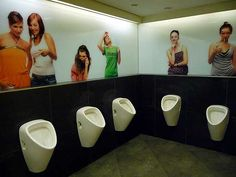 After a beer talk with some friends about the miraculously act of discharging the urine I decided to search the internet for funny, wierd or strange urinals. Cool Toilets, Frases Humor, Toilet Design, Restaurant Interior Design, Beer Bar, Bathroom Humor, Cafe Restaurant, Funny Cute, Amazing Art