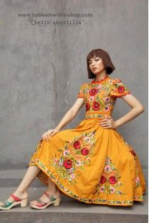 batik amarillis's birthday dress-PO (excluded obi belt) Modest Dresses, Pretty Dresses, Beautiful Dresses, Mexican Fashion, Ethnic Fashion, Embroidery Fashion, Embroidery Dress, Mexican Costume, Traditional Mexican Dress