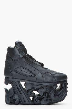 Ktz Black Leather Carved Sole Platform Sneakers for women shoes shoes Dream Shoes, Crazy Shoes, Me Too Shoes, Sneakers Fashion, Fashion Shoes, Girl Fashion, Go Sport, Leather Shoes, Black Leather