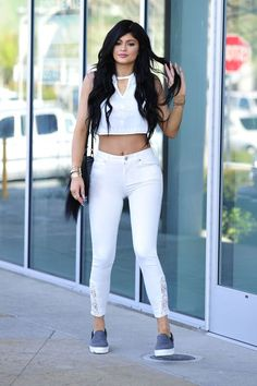 Kylie Jenner's Style Hacks to Refresh Your Wardrobe. Kendall jenner style Kendall and kylie jenner Kardashian jenner Jenner sisters Kendall jenner outfits Fashion inspo Robert Kardashian, Khloe Kardashian, Kardashian Kollection, Kylie Jenner Diet, Kylie Jenner Bikini, Trajes Kylie Jenner, Kylie Jenner Outfits, Kylie Jenner Style, Kendall And Kylie Jenner
