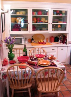 glass in-lay kitchen cabinets to show off a #fiesta ware collection