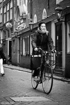 // Street moments: Cycling on Zeedijk, Amsterdam //
